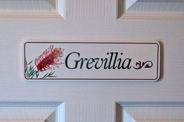B&B Grevillea sign-001